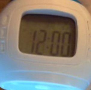 Музыкальный будильник с проектором