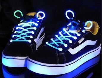 Шнурки свтящиеся