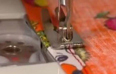 Электронная швейная машинка
