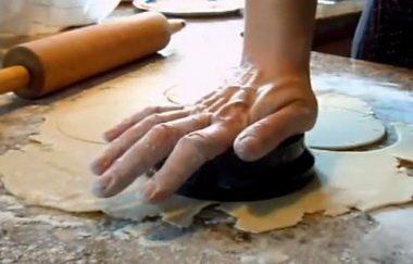 Готовим тесто для пирогов