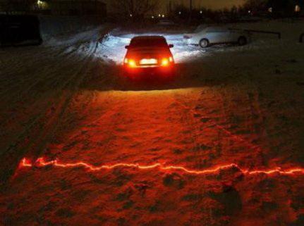 Противотуманный лазерный стоп сигнал на автомобиль