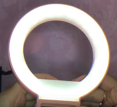 Световое кольцо для ярких селфи