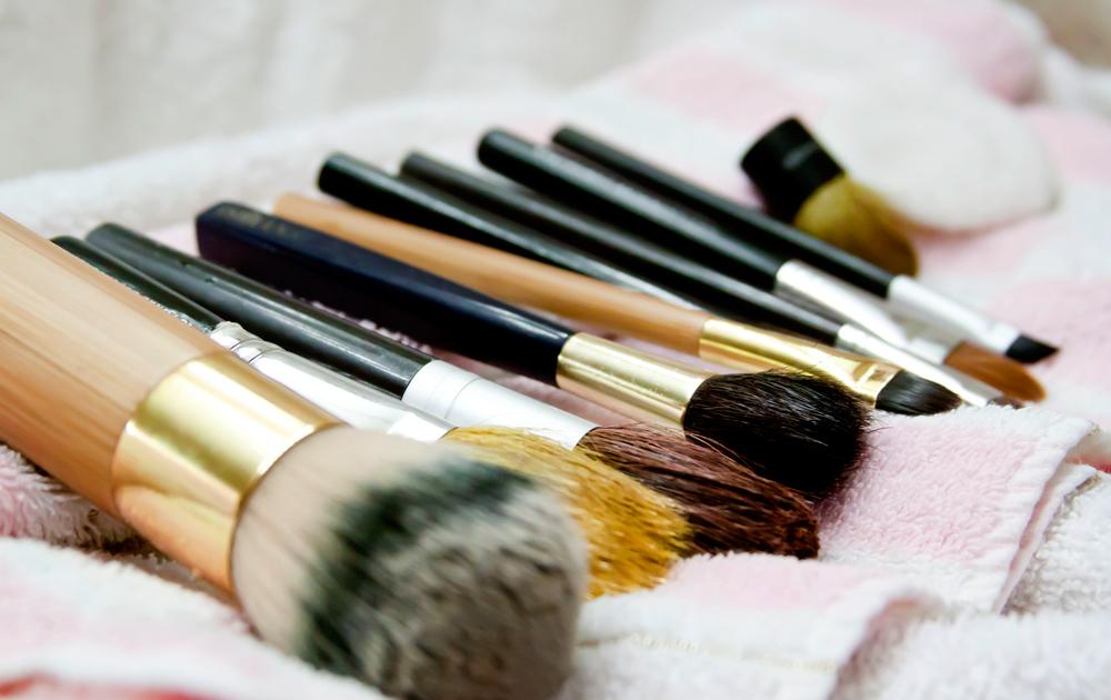 Как помыть кисти для макияжа
